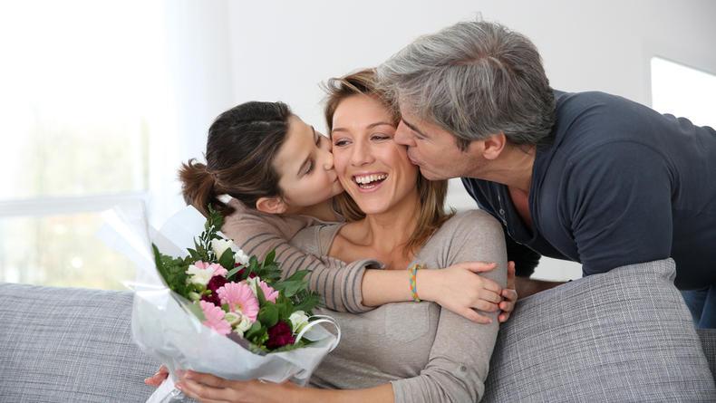 Когда отмечается День матери: Поздравления и открытки