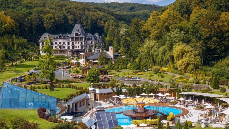 Термальные бассейны Закарпатья: Какие курорты уже открыты этой весной