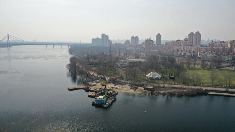 Мост на Оболонский остров в Киеве: Появились свежие кадры стоительства
