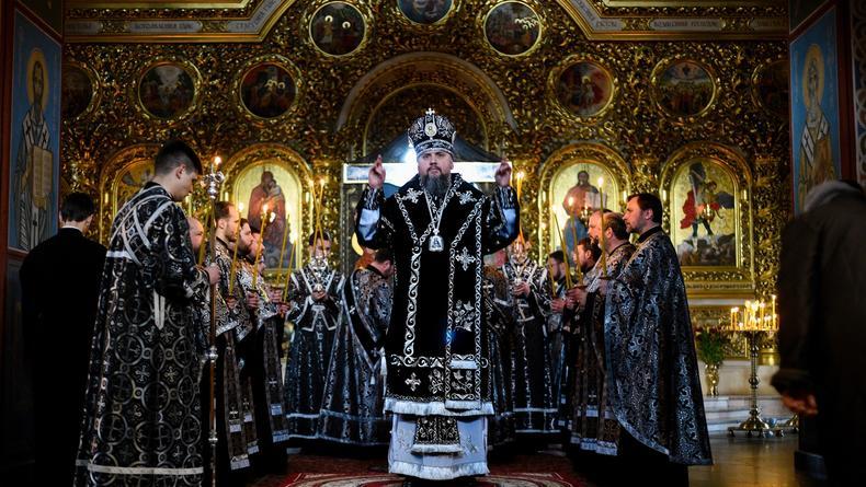 Власти Киева призвали приостановить массовые богослужения