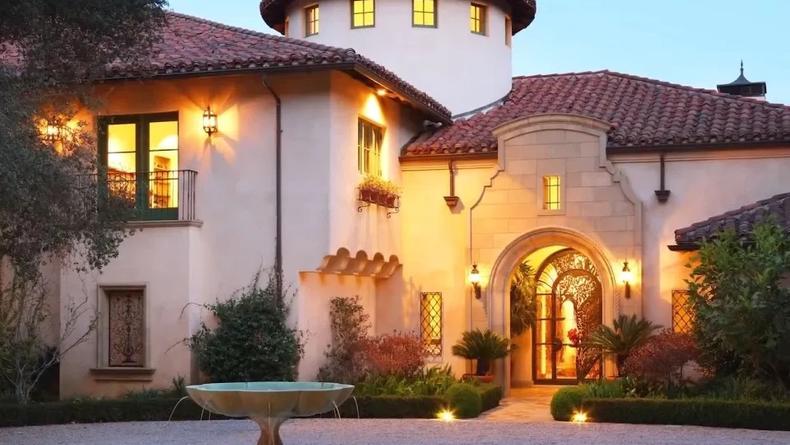 """Дуэйн """"Скала"""" Джонсон приобрел жилье за 35 млн долларов"""