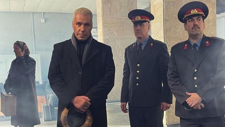 """Линдеманн из Rammstein спел """"Любимый город"""" Бернеса"""