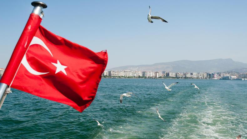 С 15 мая украинцы смогут путешествовать в Турцию без ПЦР-теста