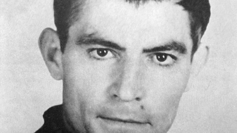 Поляки огорошены состоянием могилы Василия Стуса на Байковом кладбище
