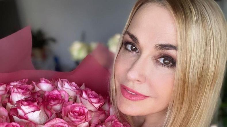 Ольга Сумская вновь надела свадебное платье с фатой
