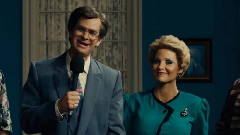 """""""Глаза Тэмми Фэй"""": Гарфилд и Честейн в трейлере совершенно неузнаваемы"""