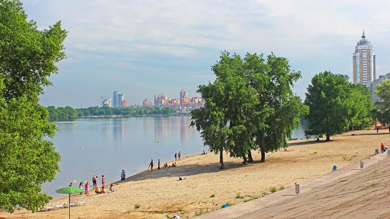 14 пляжей Киева готовы к летнему сезону, но купаться еще нельзя