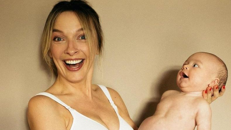 Василиса Фролова, впервые ставшая матерью в 43, забеременела случайно