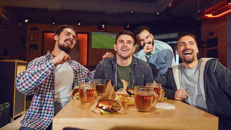 Где посмотреть футбол в Киеве - Лучшие бары и пабы