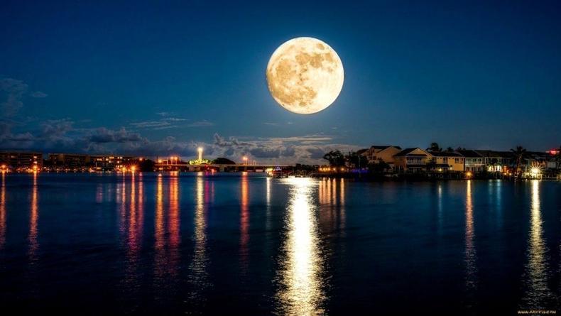 Лунный календарь на июль: Как фазы спутника Земли влияют на психику