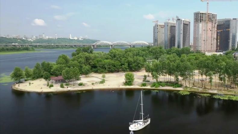 Появилось видео постройки нового парка в Киеве