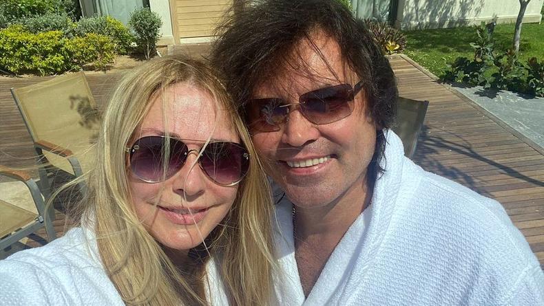 Ольга Сумская показала танцы в купальнике для супруга