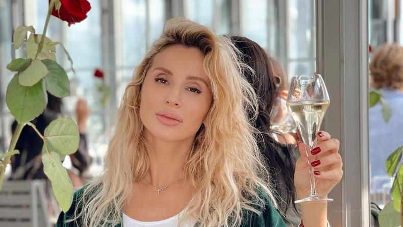 Светлана Лобода вернулась в Киев: Без охраны не ходит