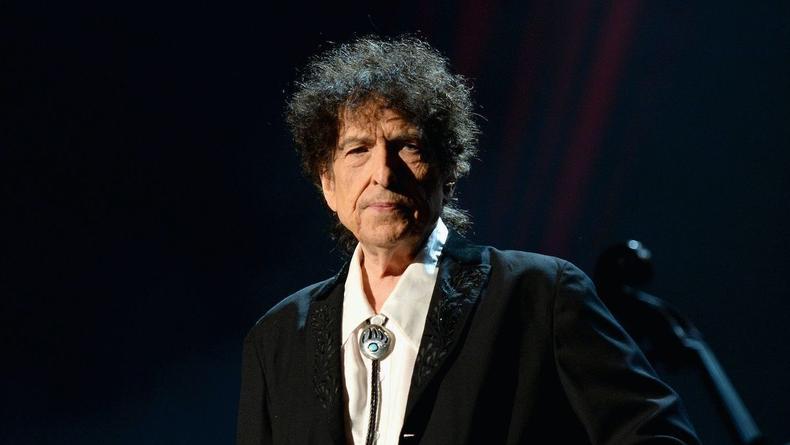 Боб Дилан в свои 80 обвинен в изнасиловании ребенка