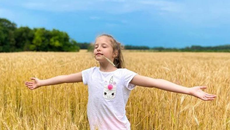 В сети появилось видео с девочкой-Украиной на День Независимости