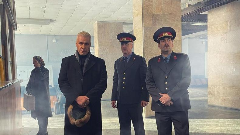 Тилля Линдеманна проведали российские полицейские