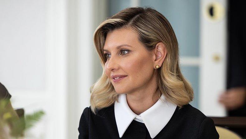 Елена Зеленская восхитила пользователей лаконичным стилем