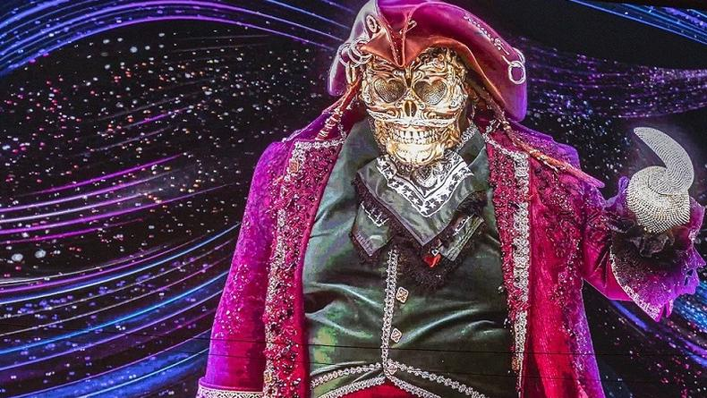 Шоу Маскарад - новым героем стал загадочный Пират