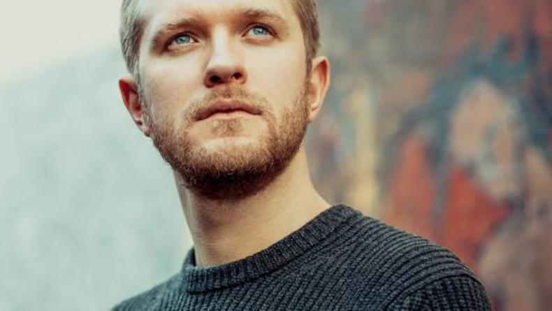 Антон Денисенко: о жертвах ради роли, о реакции зрителей на его героя и общем спорте с женой