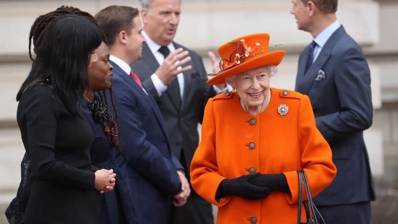 Королева Великобритании порадовала своим новым выходом